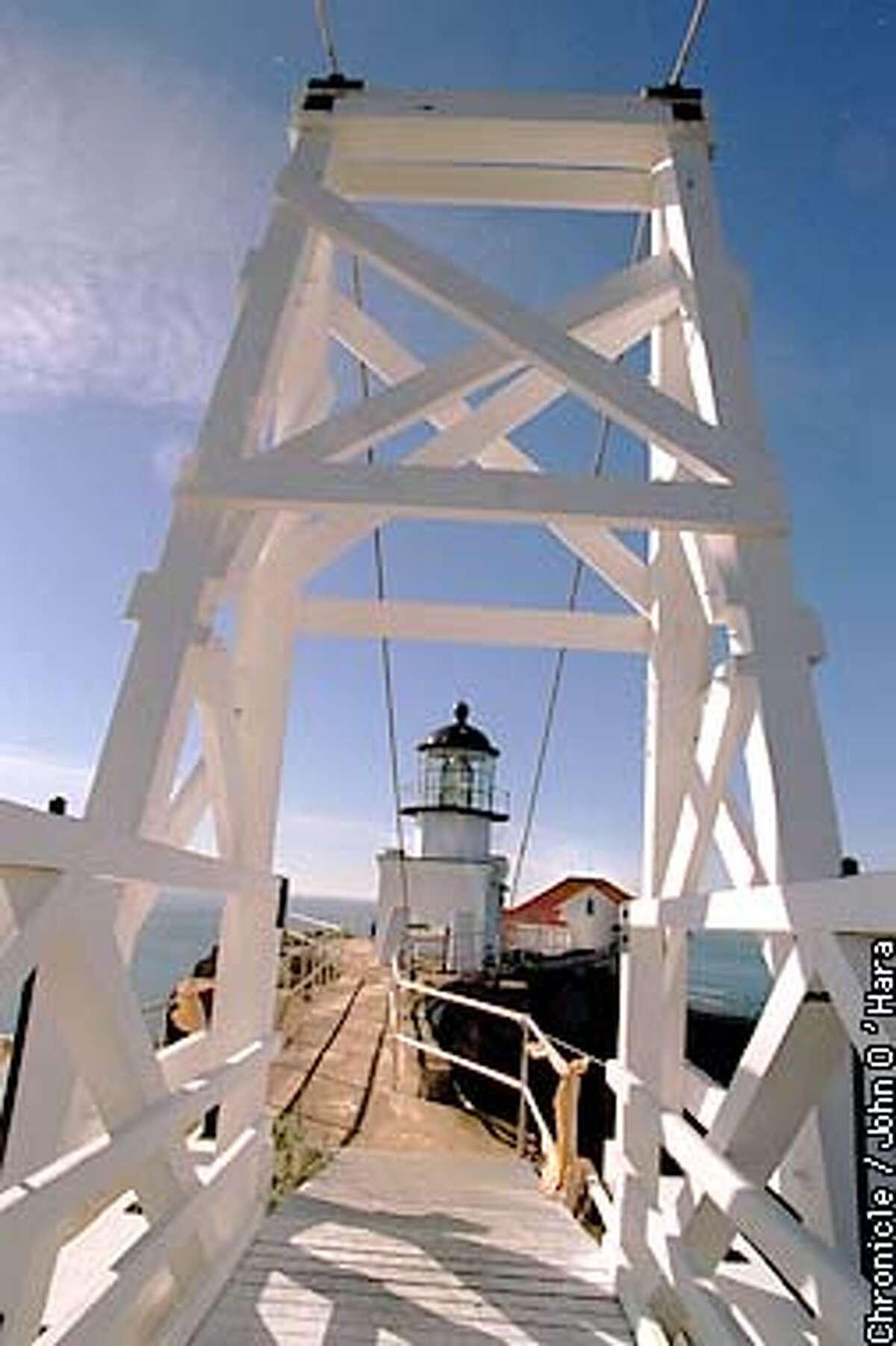 LIGHTHOUSE#3/C/29NOV95/CD/JO'H Point Bonita Light house,view from suspencion bridge. Photo by...........John O'Hara