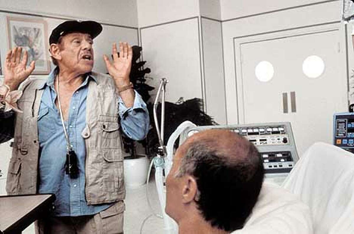 Jerry Stiller, left, as Morty Fineman in THE INDEPENDENT
