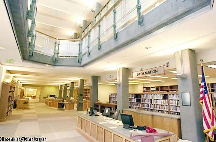 The new main entrance of the refurbished Berkeley Main Library. Photo by Gina Gayle/The SF Chronicle. Photo: GINA GAYLE