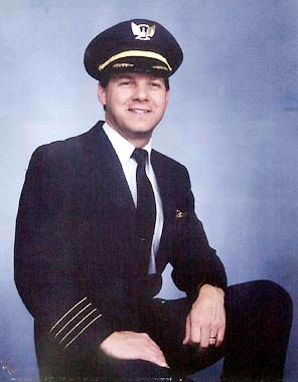 pilot Jason Dahl who's plane went down on SEpt 11. CHRONICLE PHOTO BY PENNI GLADSTONE