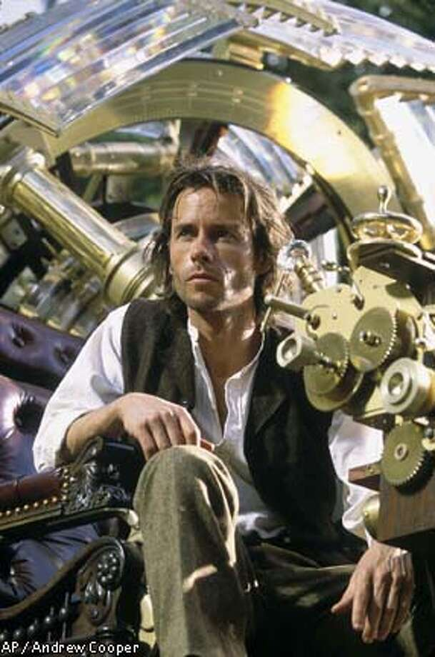 "Guy Pearce in ""The Time Machine"": A grieving lover determined to make the past come out right"