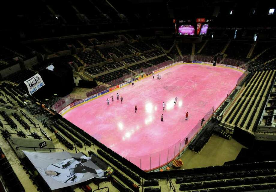The San Antonio Rampage hockey team had a Survivor Skate for people with breast cancer on Thursday, Jan. 27, 2011, on the AT&T Center ice, which was dyed pink. BILLY CALZADA / gcalzada@express-news.net Photo: BILLY CALZADA, SAN ANTONIO EXPRESS-NEWS / gcalzada@express-news.net