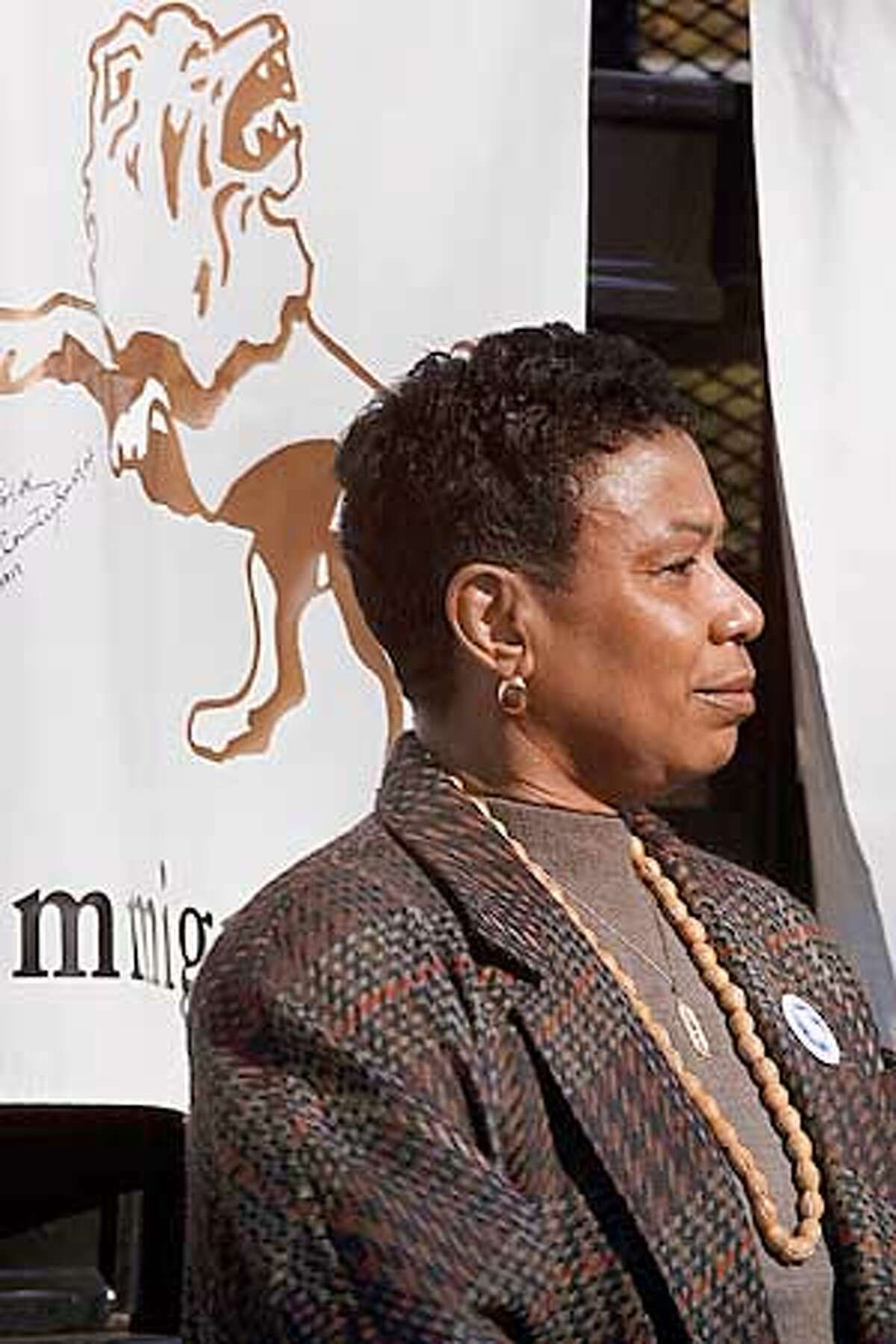 ( ) 27 Jan 2001 -- Oakland, CA, Congresswoman Barbara Lee speaking at Rally for Migrant Amnesty and Immigrant Rights, sponsored by the Labor and Immigrant Organizing Network (LION), Oakland, CA. Photo by Lonny Shavelson/PictureDesk International --COPYRIGHT 2001.-
