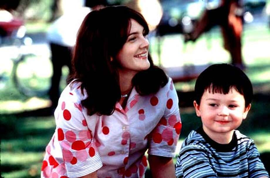 DREW BARRYMORE STARS AS BEVERLY DONOFRIO AND CODY ARENS STARS AS HER SON, JASON, IN riding in cars with boys Photo: HANDOUT