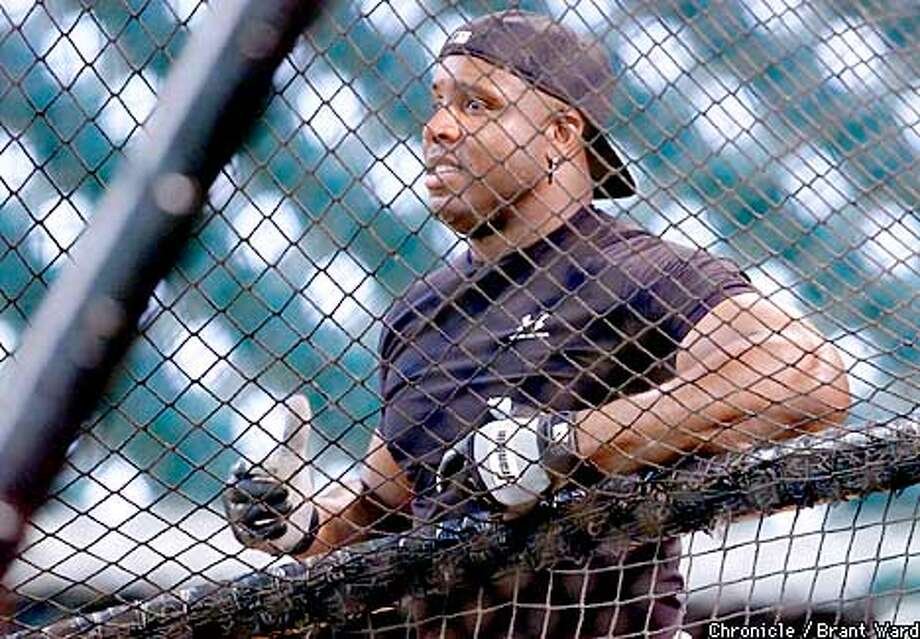 Barry Bonds watched batting practice at Enron Park in Houston Thursday. Baseball has been cancelled until Monday. The Giants are now trying to get home and see their families. By Brant Ward/Chronicle Photo: BRANT WARD