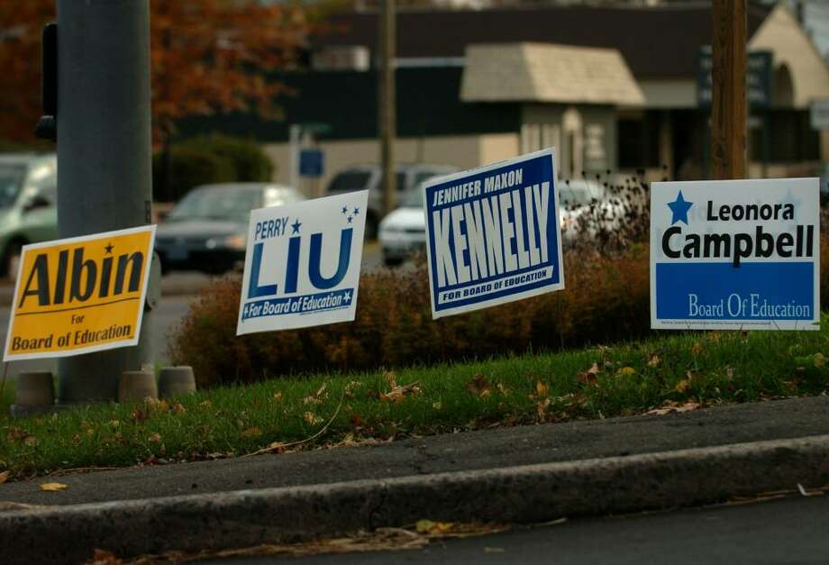 Campaign signs for Democratic candidates on King's Highway in Fairfield, Conn. on Monday, November 2, 2009. Photo: Brian A. Pounds / Connecticut Post