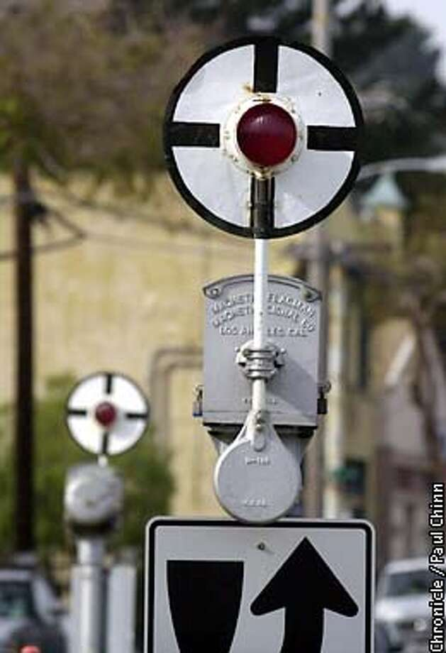 Burlington-Northern railroad wants to tear out historic wigwag crossing signals in Pt. Richmond which has outraged many of the community's residents. PAUL CHINN/S.F. CHRONICLE Photo: PAUL CHINN