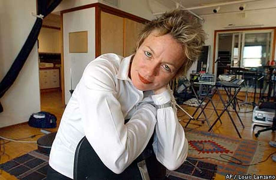 SPECIAL TO THE SAN FRANCISCO CHRONICLE--Laurie Anderson poses in her Manhattan studio in New York, Thursday, August 9, 2001. (AP Photo/ Louis Lanzano) Photo: LOUIS LANZANO