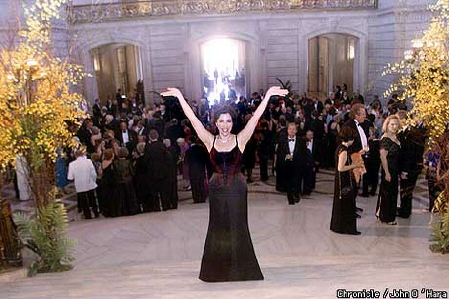 Rebecca Saroyan, chair of the Symphonix (CQ) Dinner at the 2001 Symphony Gala. At City h all where dinner tok place. John O'Hara/The Chronicle.