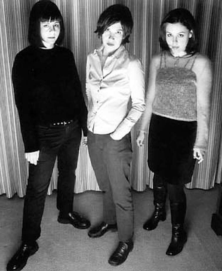 THIS IS A HANDOUT IMAGE. PLEASE VERIFY RIGHTS. Sleater-Kinney will be appearing at The Great American Music Hall. HANDOUT. ron, this would be for the slug january06, part of 1/6 pink package; also, neva is going to write a feaure on the band that will run jan 13. thx.