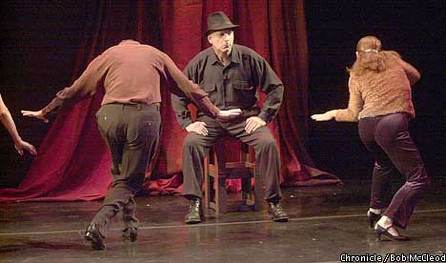 "FLORES16b-C-10JAN02-DD-BM  preview performance for ""Una Noche de Suenos Vidi Flores at the Traveling Jewish Theatre. composer/siinger Albert Greenberg.  Chronicle photo by Bob Mcleod Photo: BOB MCLEOD"