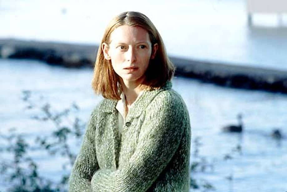 """Tilda Swinton in """"The Deep End"""": She'll protect her child at any cost."""