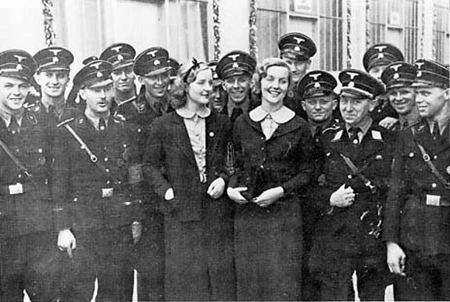 """Unity and Diana with Nazi soldiers. Photo from """"The Sisters"""""""