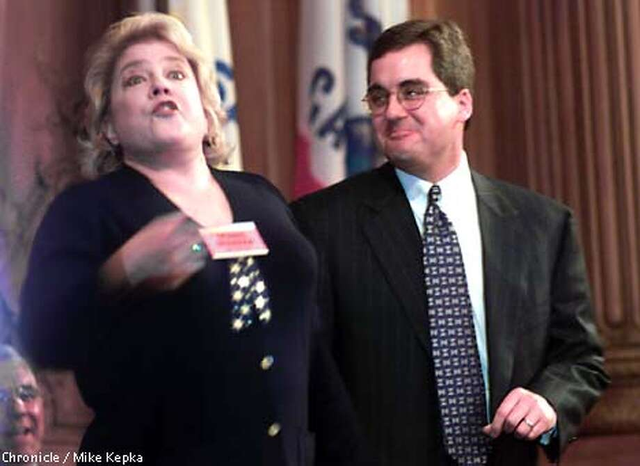 """Tony Award Nominee, Sharon McNight, ends Dennis Herrera's city Attorney swearing in ceremony with a rendition of """"San Francisco. BY MIKE KEPKA/THE CHRONICLE Photo: MIKE KEPKA"""