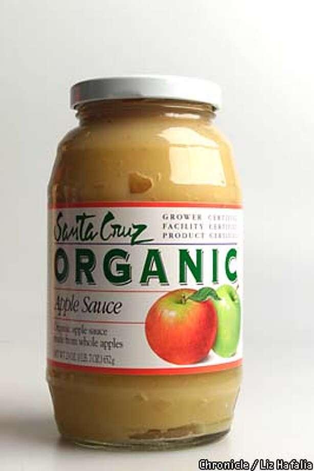 Santa Cruz organic apple sauce for file art.  (PHOTOGRAPHED BY LIZ HAFALIA/THE SAN FRANCISCO CHRONICLE) Photo: LIZ HAFALIA