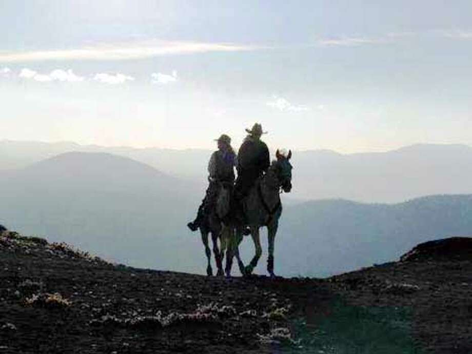 2001 Tevis Trail ride. Riders reach the crest of a hill. MUST CREDIT: Lucy Chaplin Trumbull Photo: LUCY CHAPLIN TRUMBULL