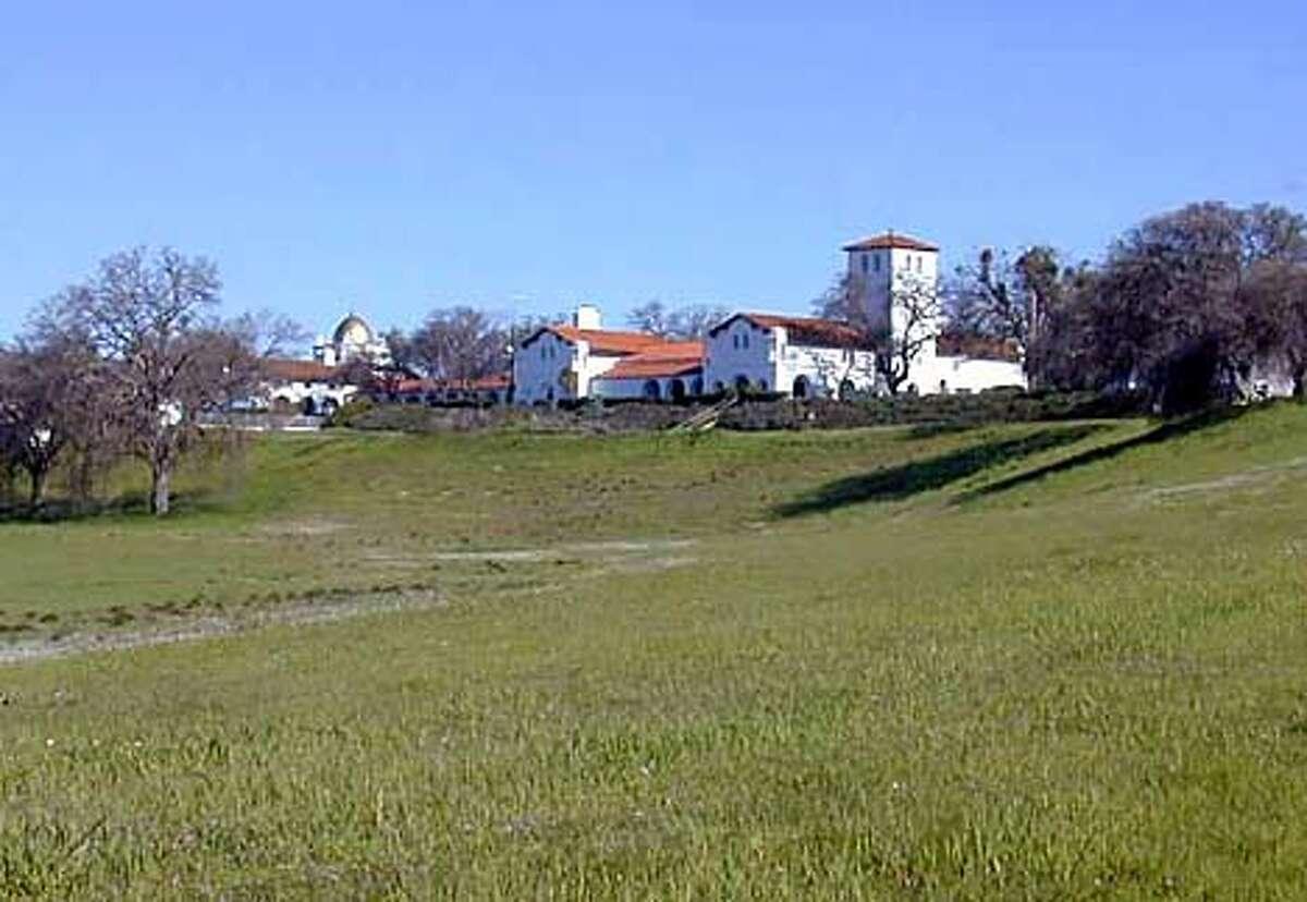 Hacienda guest lodge from Mission road, fort Hunter Ligett David Laws
