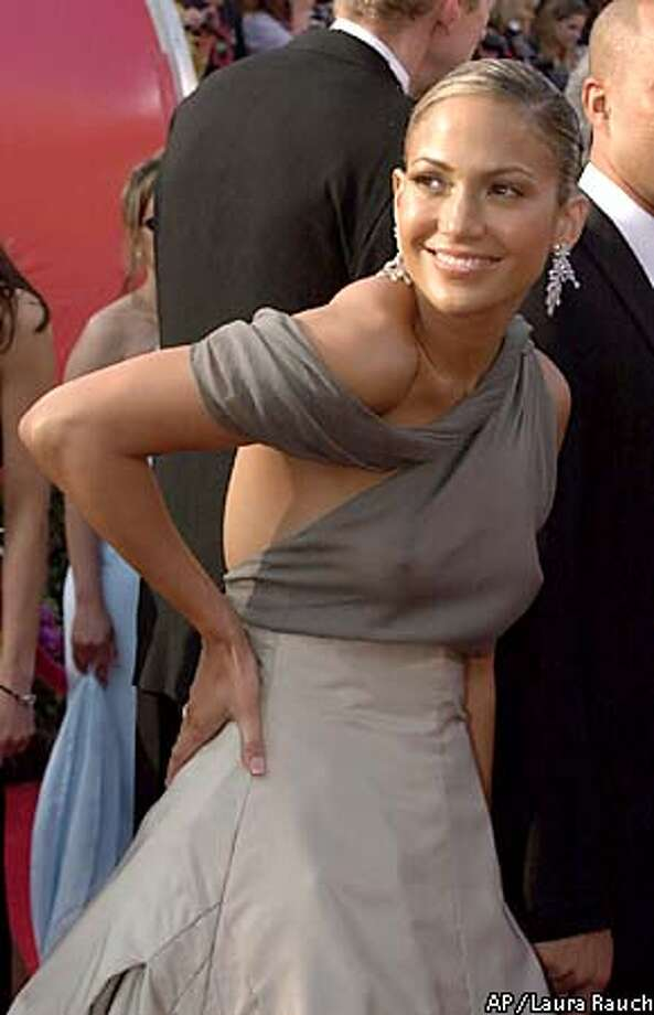 Actress and singer Jennifer Lopez arrives for the 73rd annual Academy Awards ceremony Sunday March 25, 2001 in Los Angeles. (AP Photo/Laura Rauch) Photo: LAURA RAUCH