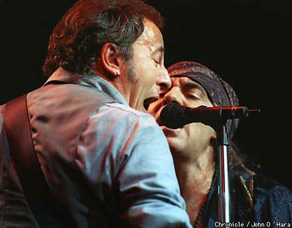 Steven van zandt hair accident - After A Separation Of 11 Years Bruce Springsteen Shared The Stage With E Street Band