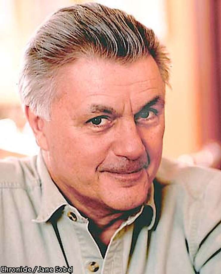 JOHN IRVING Photo: IRVINGB-C-3JULY01-PK-HO