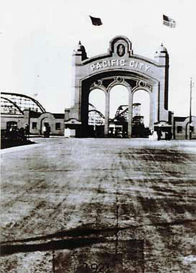 Pacific City Amusement Park at Coyote Point was only open for two years in the 1920s. Despite an attendance at the ``million-dollar'' attraction that reached a million in 1923, cold winds and foul smells discouraged most visitors.