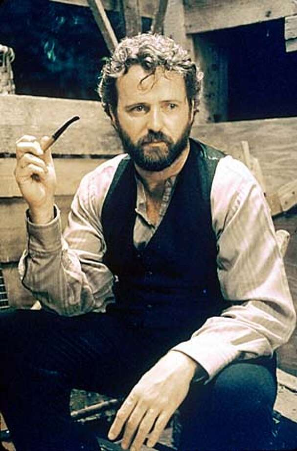 "Aidan Quinn in ""Songcatcher'': An ""outlander's'' yearning for mountain music."