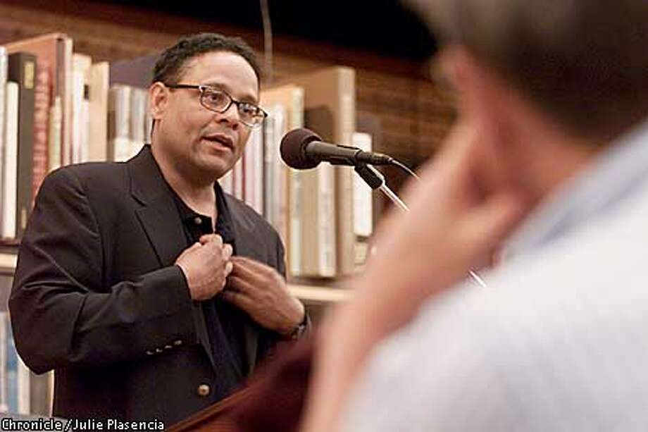 "Former Washington Post reporter and UC Berkely journalism professor Niel Henry speaks about his new book ""Pearl's Secret"" to an audience at Black Oak Books in Berkeley. (JULIE PLASENCIA/SAN FRANCISCO CHRONICLE) Photo: JULIE PLASENCIA"