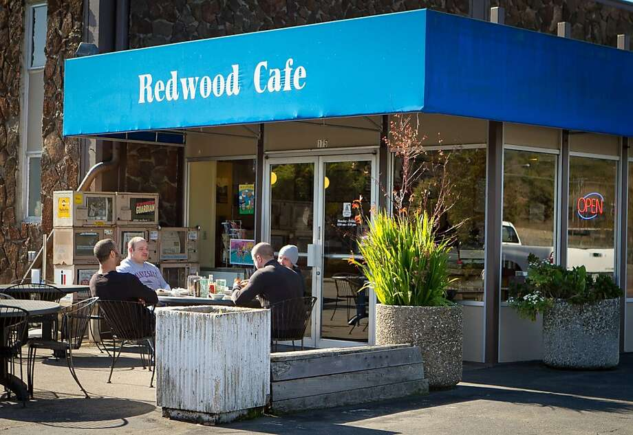 Diners enjoy lunch in the sunshine outside the Redwood Cafe in San Rafael, Calif., is seen on Friday, January 27th, 2012. Photo: John Storey