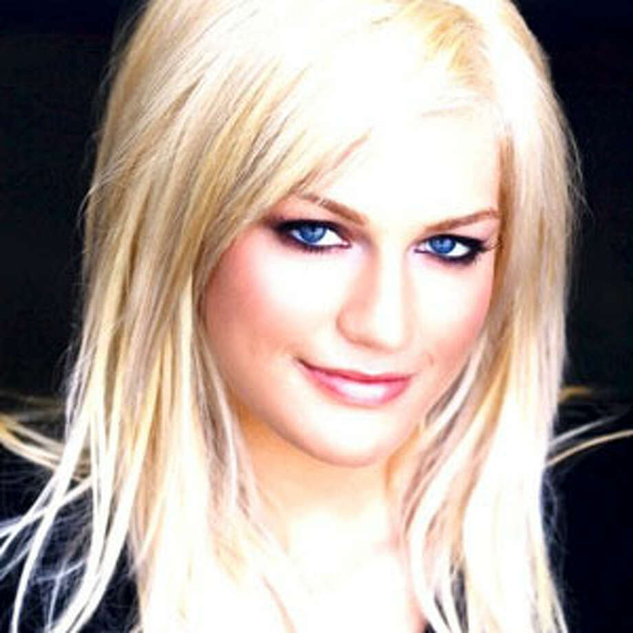 Leslie Carter, 25, American singer and sister of Nick Carter (Backstreet Boys) and Nick Carter died of unknown causes on Jan. 31, 2012.