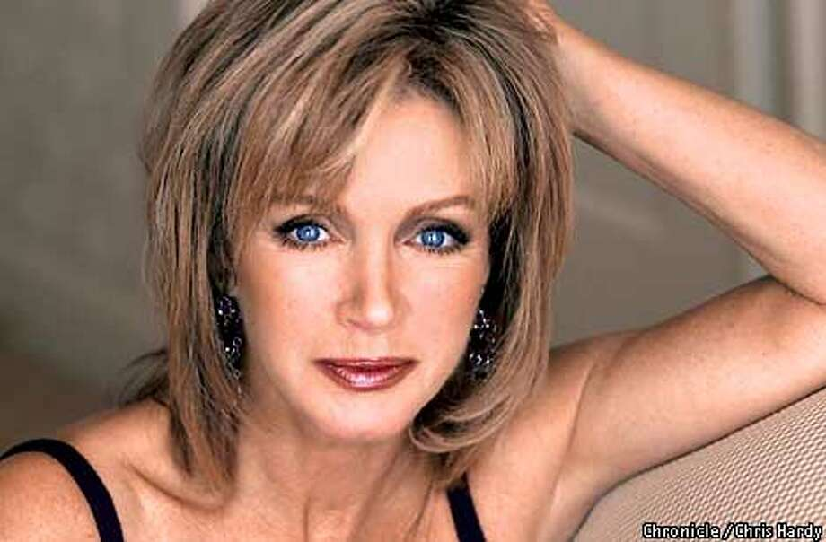 BODY10-C-29MAR01-DD-CH  DONNA MILLS WHO HAS SOME NEW EYE COSMETICS OUT  -CHRONICLE photo by CHRIS HARDY Photo: Chris Hardy