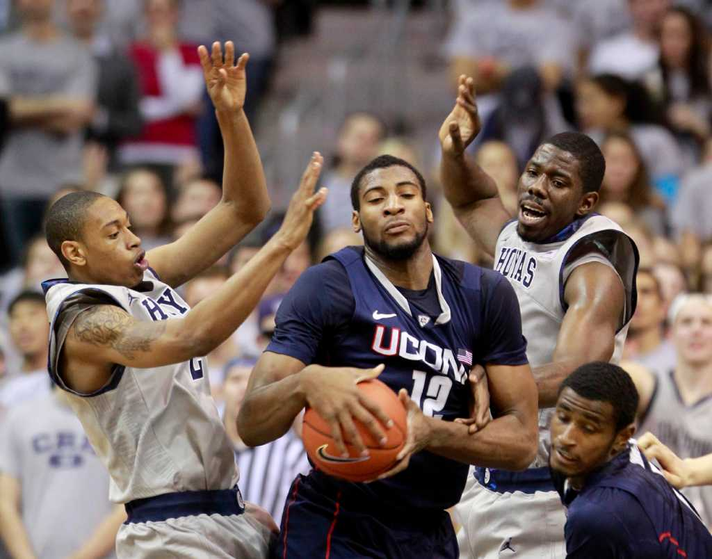 uconn offense struggles again in loss to georgetown