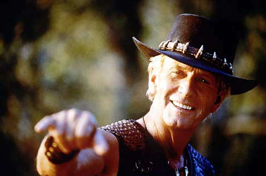 Paul Hogan in CROCODILE DUNDEE IN LOS ANGELES