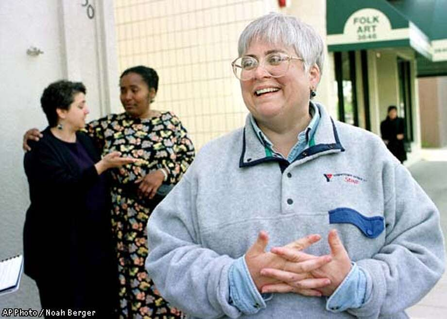 """Carol Schilling, whose son Jeffrey Schilling was held hostage in the Philippines for the past seven months, discusses details of his release during an Oakland, Calif. press conference on Thursday, April 12, 2001. Phillipine commandos burst into a jungle hide-out Thursday and freed the Oakland man from Muslim guerrillas who had threatened to behead him as a gruesome """"birthday present"""" to the Philippine president. (AP Photo/Noah Berger) Photo: NOAH BERGER"""