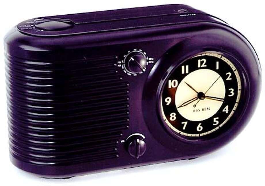 HOTSTUFF4B-C-23MAR01-HM-HO Big Ben Clock Radio.