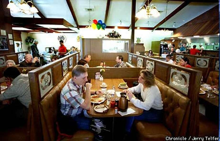 UNHAPPY CUSTOMERS: The loyal following at Ken's Family Restaurant after 40 years in Menlo Park are lamenting the full-service restaurant's closing in favor of more ``upscale'' cuisine. Chronicle Photo by Jerry Telfer