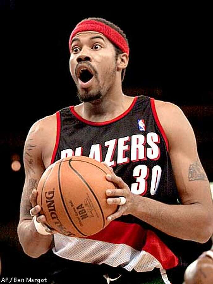 Portland Trail Blazers' Rasheed Wallace reacts to a foul called during the first quarter of the game against the Golden State Warriors Tuesday, Dec. 12, 2000, in Oakland, Calif. (AP Photo/Ben Margot) Photo: BEN MARGOT