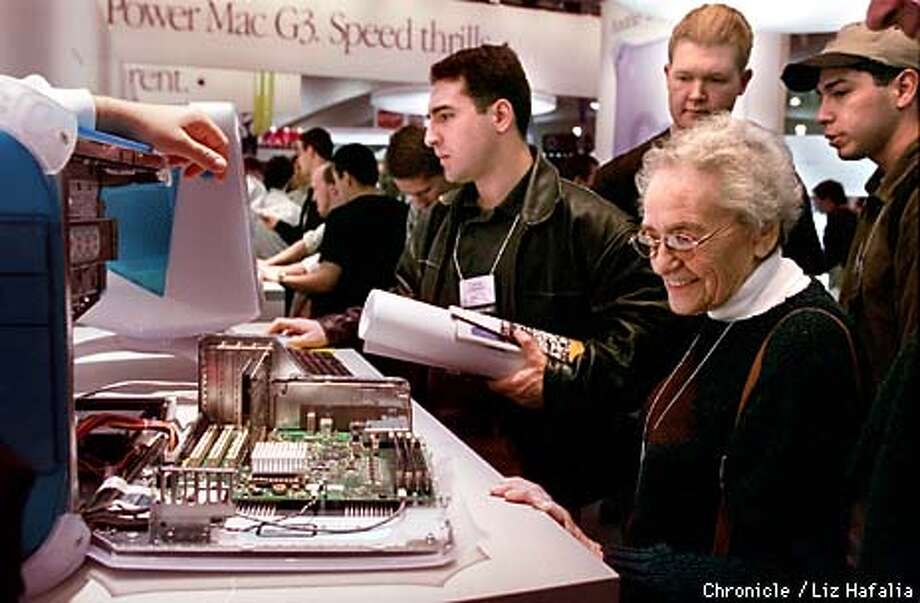 Ilse Seaman, who's on her third Mac, beams at the speed of the new Power Mac G3 at the Macworld Expo. Photo by Liz Hafalia Photo: LIZ HAFALIA