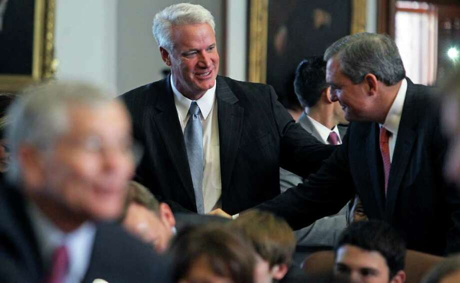 State Rep. Lyle Larson has written a letter to the Mexican president asking that Texas  be repaid. Photo: File Photo, San Antonio Express-News / © 2010 San Antonio Express-News