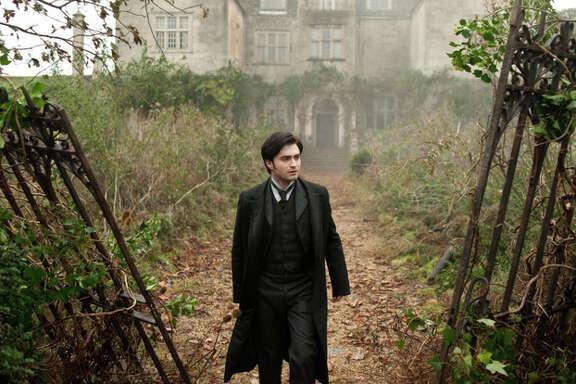 Nick Wall/CBS Films Daniel Radcliffe stars as ?Arthur Kipps? in CBS Films? THE WOMAN IN BLACK.