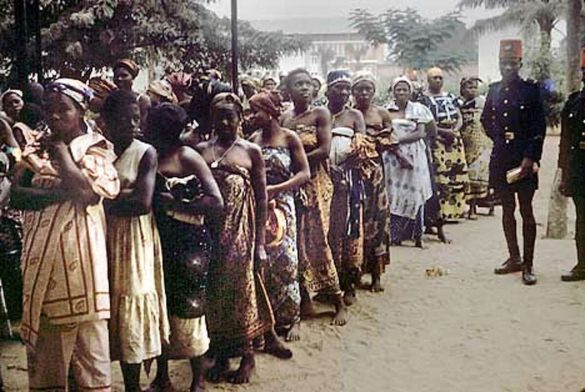 Women in the Congo lined up for the Wistar polio vaccine in this 1958 photo. Vaccination sites later became some of the major HIV-infected areas in Africa. Photo courtesy of Henry Gelfund