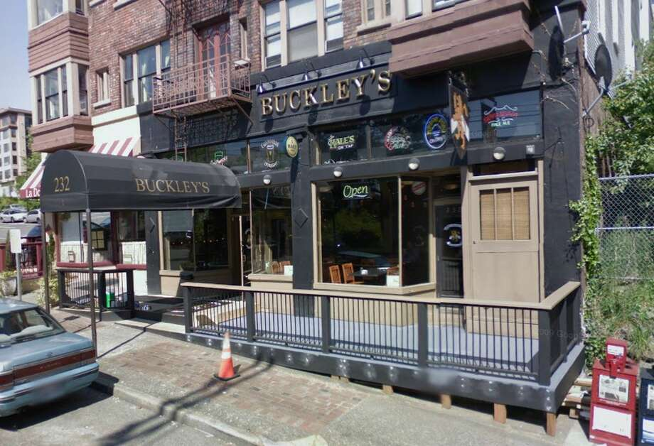 Buckley's (Lower Queen Anne and Belltown): Pick whichever location you want, either way you've got a great sports bar with great food. The Queen Anne location, on First Avenue and Thomas Street, has plenty of TVs and more sports banners than you can shake a pint at. In Belltown, at Second Avenue and Battery Street, is another very popular spot, so arrive early.