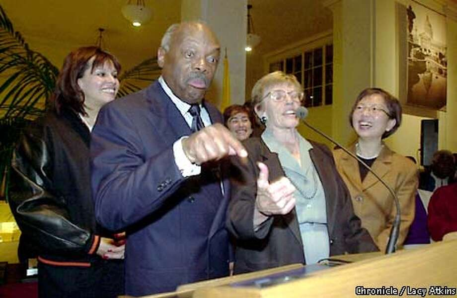 GOODBYE3c-C-2JAN01-SZ-LA ---  Mayor Willie Brown makes fun of the way supervisor Sue Bergman types, as the supervisors that are stepping down joke around with the MAyor at the respection at City Hall.  Photo By Lacy Atkins/San Francisco Chronicle Photo: Lacy Atkins