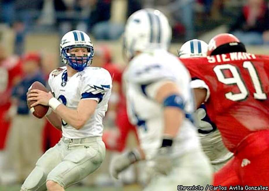Air Force's Mike Thiessen (#3), prepares to throw a pass in the second quarter of the Silicon Valley Bowl at San Jose State Spartan Stadium in San Jose, Ca., on Sunday, December 31, 2000. Thiessen's passing and running was the key to Air Force's 34 - 7 lead at the half. (CARLOS AVILA GONZALEZ/SAN FRANCISCO CHRONICLE) Photo: CARLOS AVILA GONZALEZ