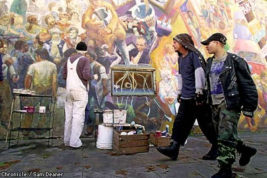 Berkeley's Great Wall / Mural artists put a fresh coat of paint on