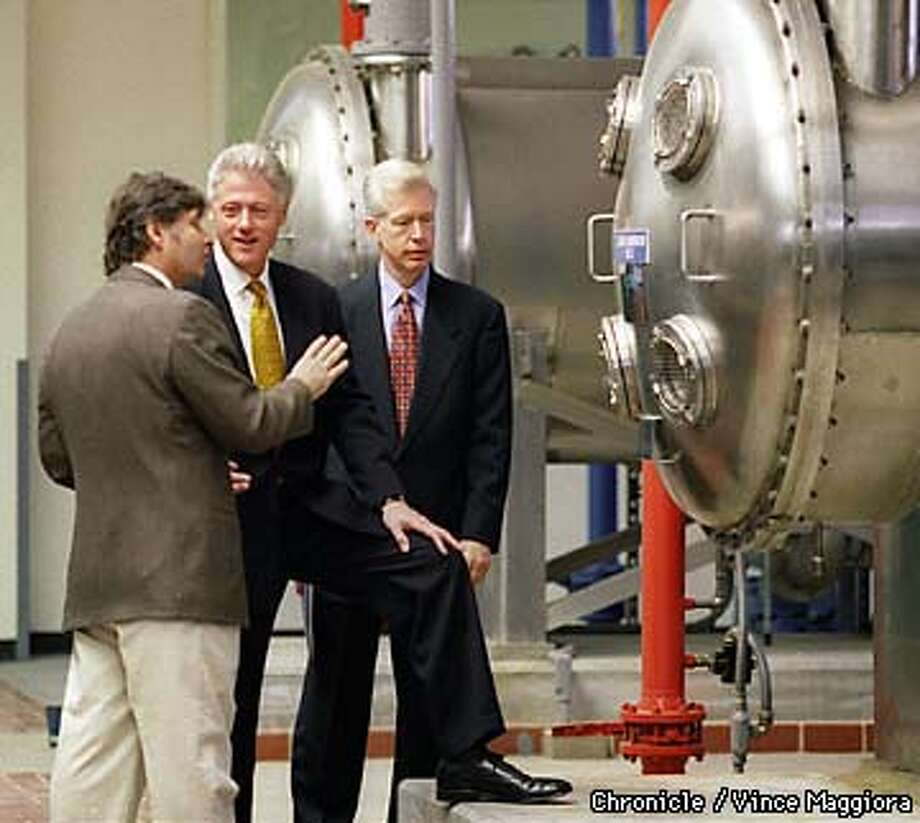 Paul Mazza (left) gave President Clinton and Gray Davis a tour of the Harry Tracy Water Filtration Plant in San Bruno. The plant filters water destined for SF.  Photo by Vince Maggiora Photo: VINCE MAGGIORA