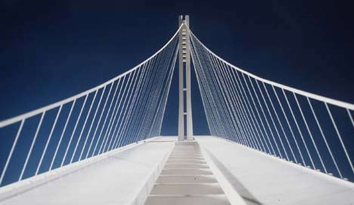 A transportation panel voted for this plan for a single-masted suspension span for the eastern portion of the Bay Bridge. Source, Metropolitan Transportation District
