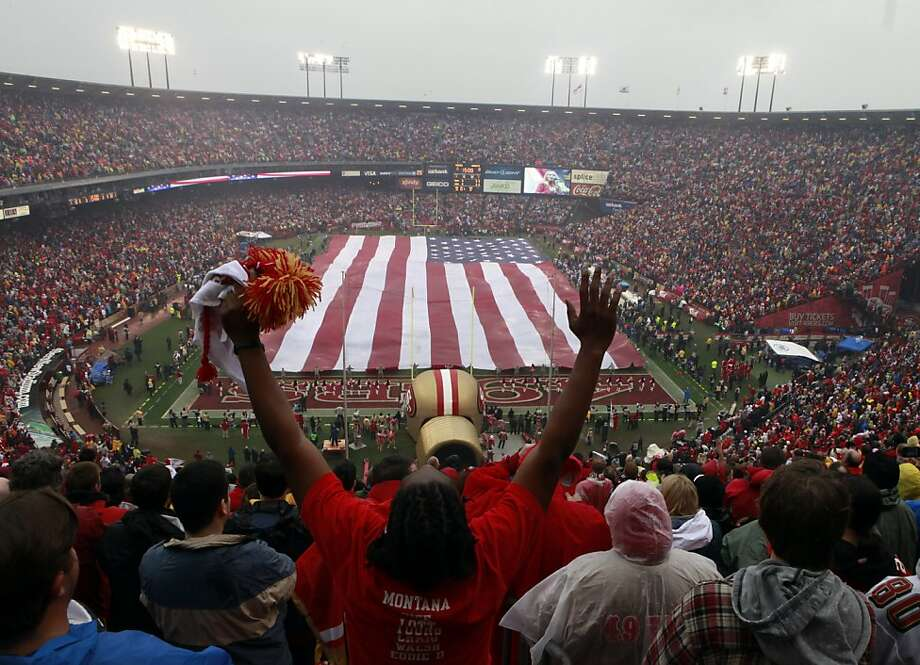 49ers fans cheer during the national anthem before the San Francisco 49ers played the New York Giants in the NFC Championship game at Candlestick Park in San Francisco, Calif., on Sunday, January 22, 2012. Photo: Lance Iversen, The Chronicle