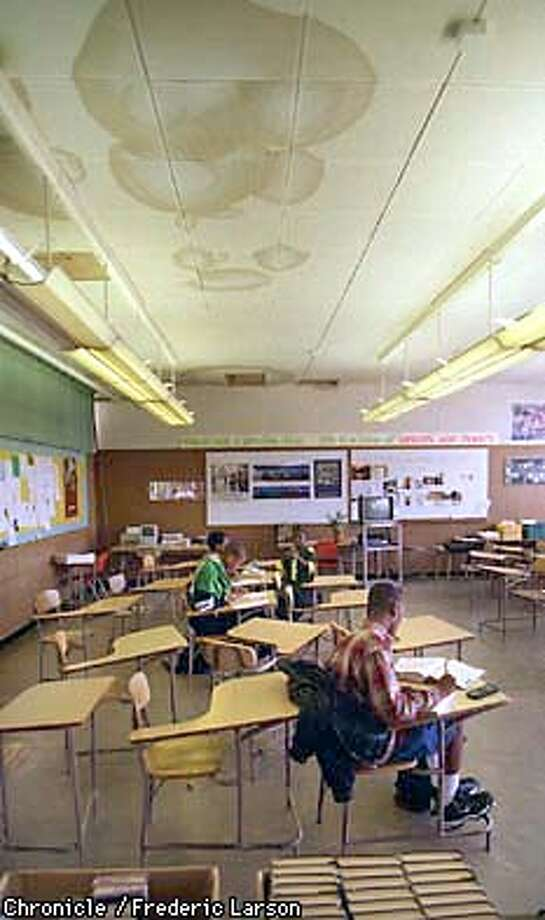 : El Cerrito high-school is asking voters in west Contra Costa to approve $40 million bond, much of it to pay for fixing up deteriotating schools, like leaky roofs. Chronicle photo by Frederic Larson Photo: FREDERIC LARSON