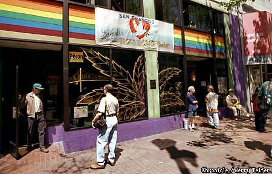 POTCLUB/C/21APR98/CD/JLT The S. F. Cannabis Cultivators Club, under its new name of San Francisco Cannabis Healing Center, resumed operations with a new director. 11th & Market Streets PHOTO BY JERRY TELFER Photo: JERRY TELFER