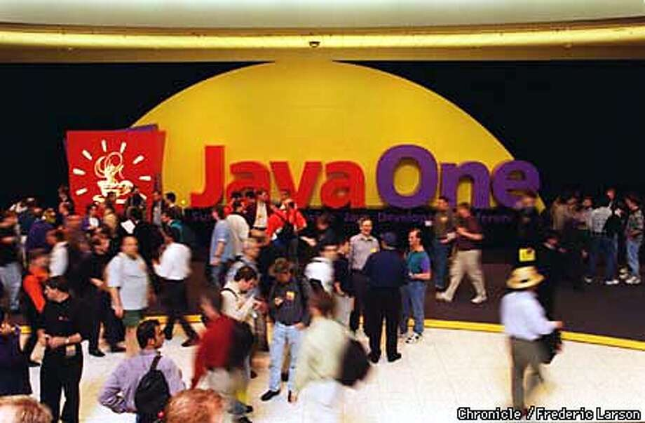 JAVA 1/C/24MAR98/BU/FL--This is the annual Java One conference where Sun Microsystems and its partners unveiled the latest developments in Java. CHRONICLE PHOTO BY FRED LARSON